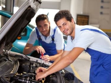 Guide to Finding the Best BMW Mechanics in Orlando